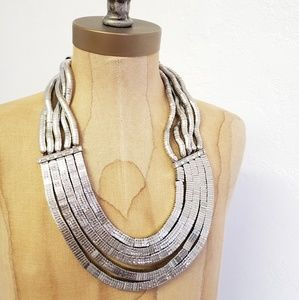 Jewelry - Chunky statement piece necklace
